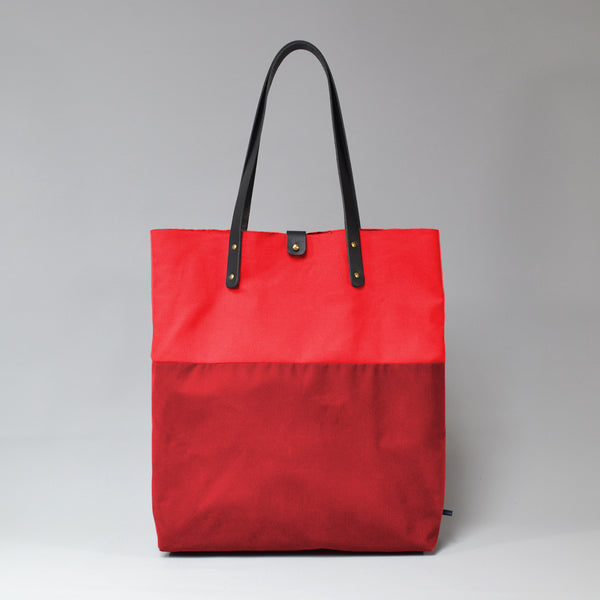 PILAR <br/> Waxed Tote Bag <br/> Red & Ruby