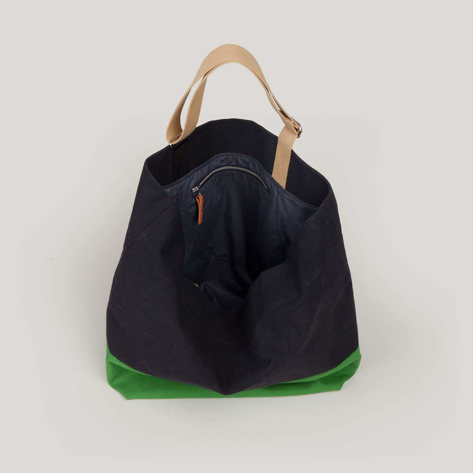 FRIDA Tote - black & apple green