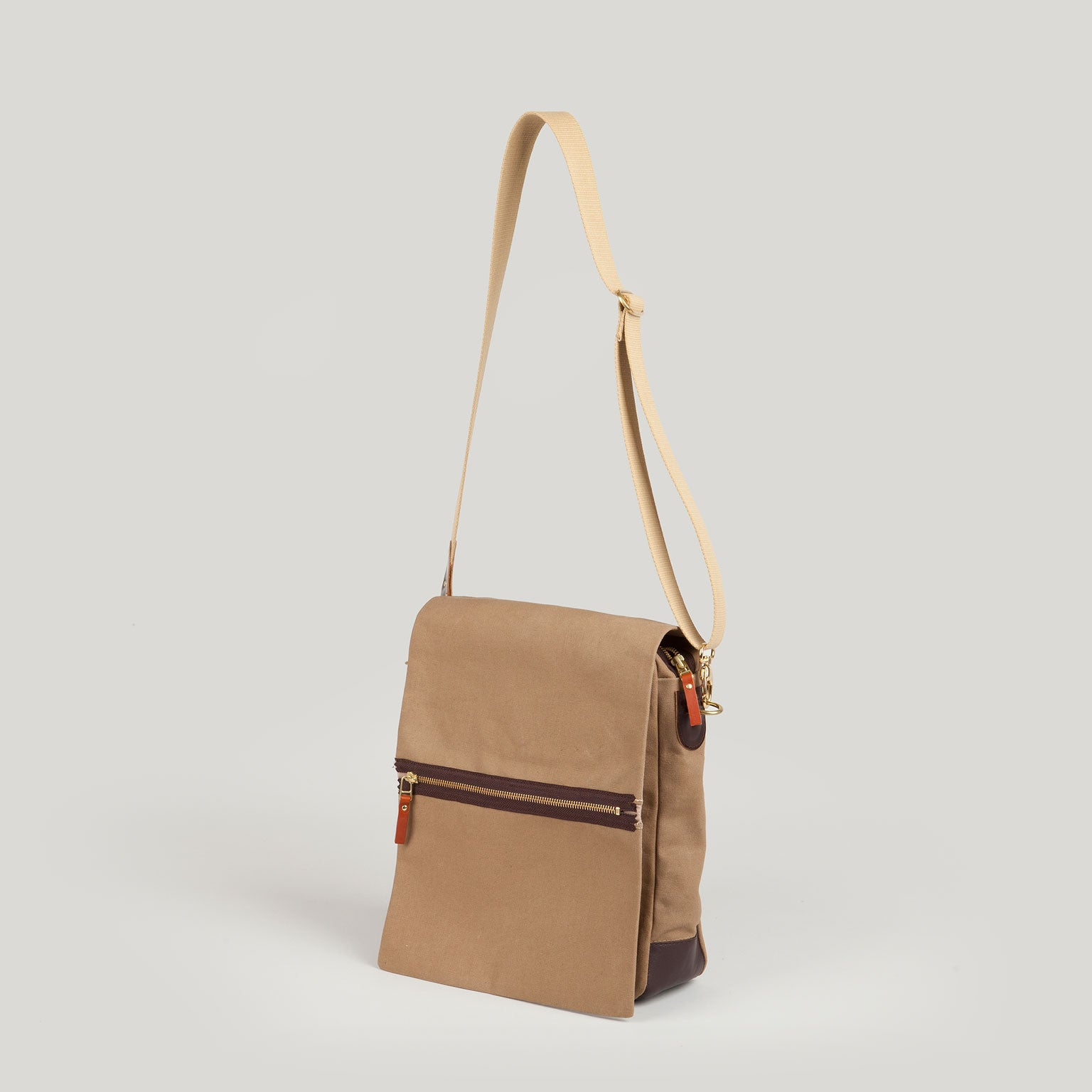 SAM Shoulder Bag <br/> Camel