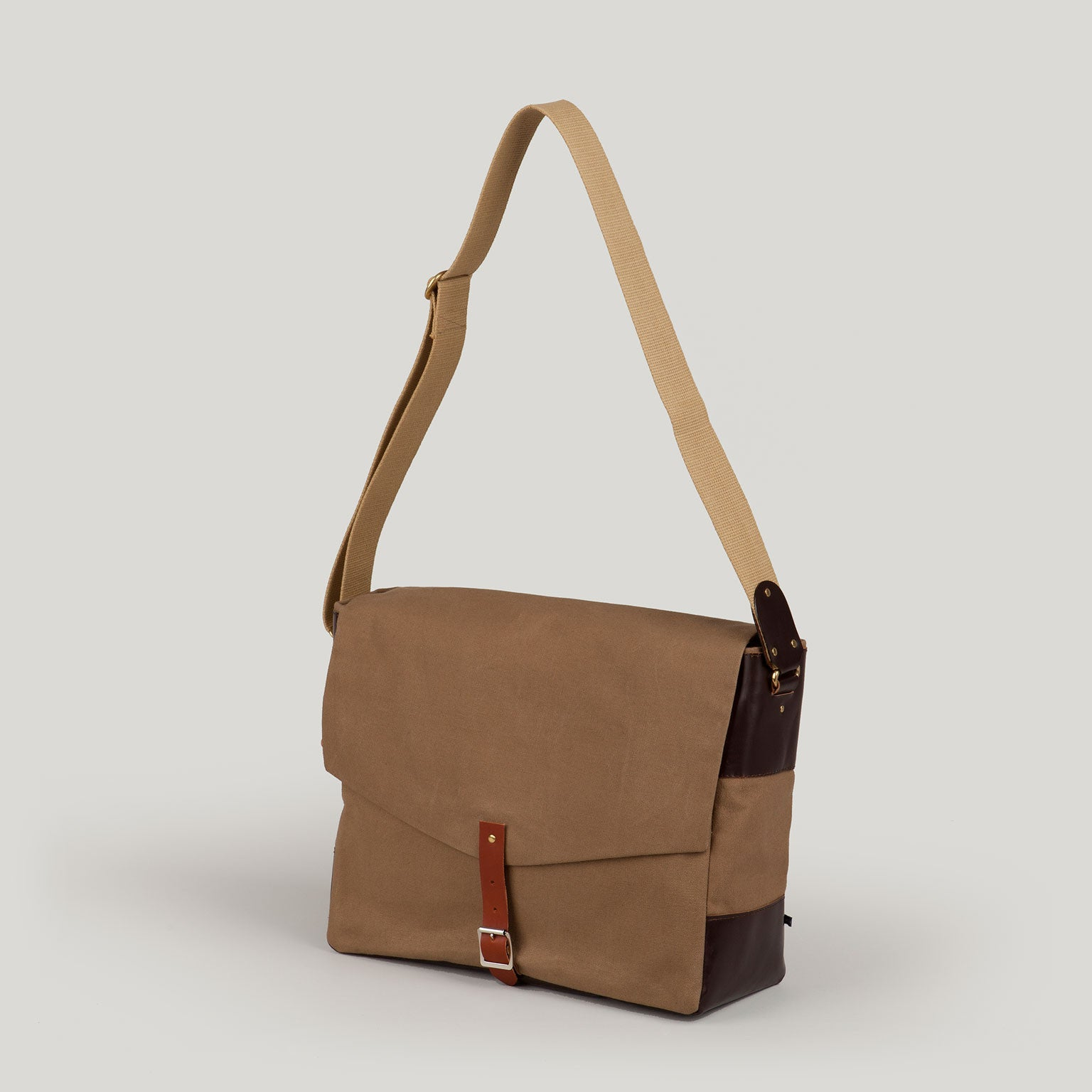 HARRY  <br/> Waxed Canvas Satchel <br/> Camel
