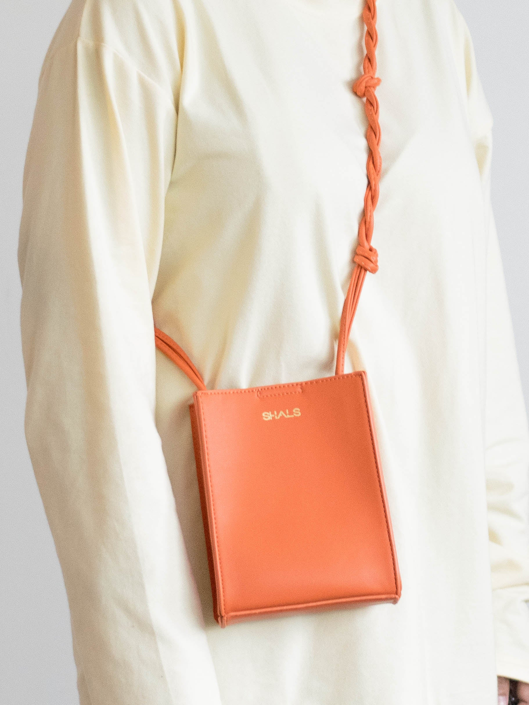 Haeley Sling Bag in Orange