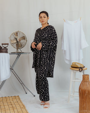 SHE KURUNG MODEN - BLACK & WHITE PRINT