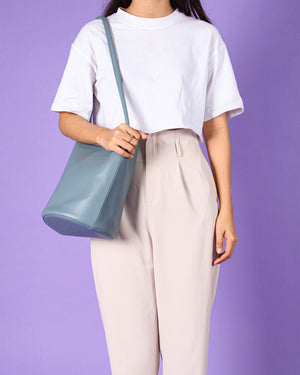 Kendall Bucket Bag in Blue