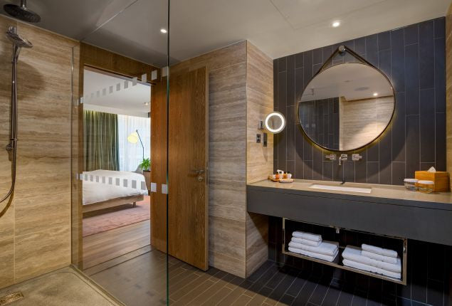 Plant-based bathroom interior design at London Bankside