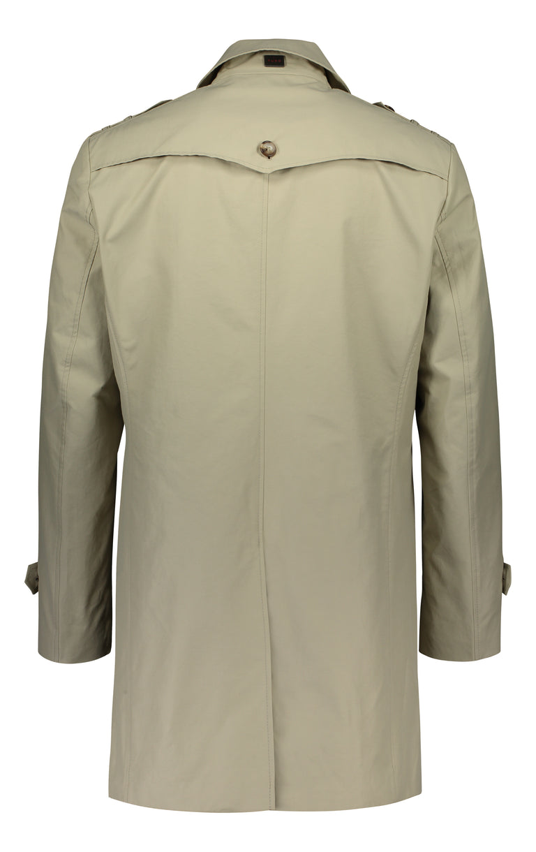 Wind and water protected coat in beige