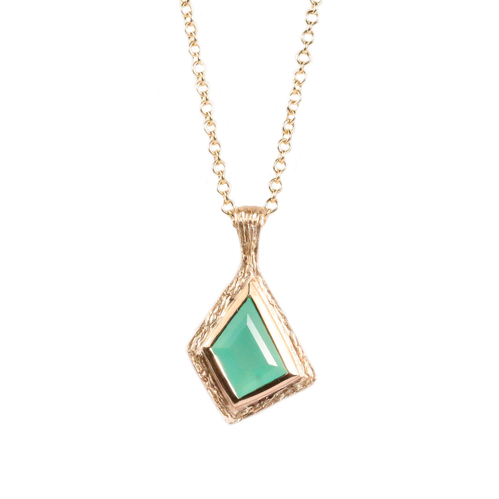 9ct Yellow Gold and Chrysoprase