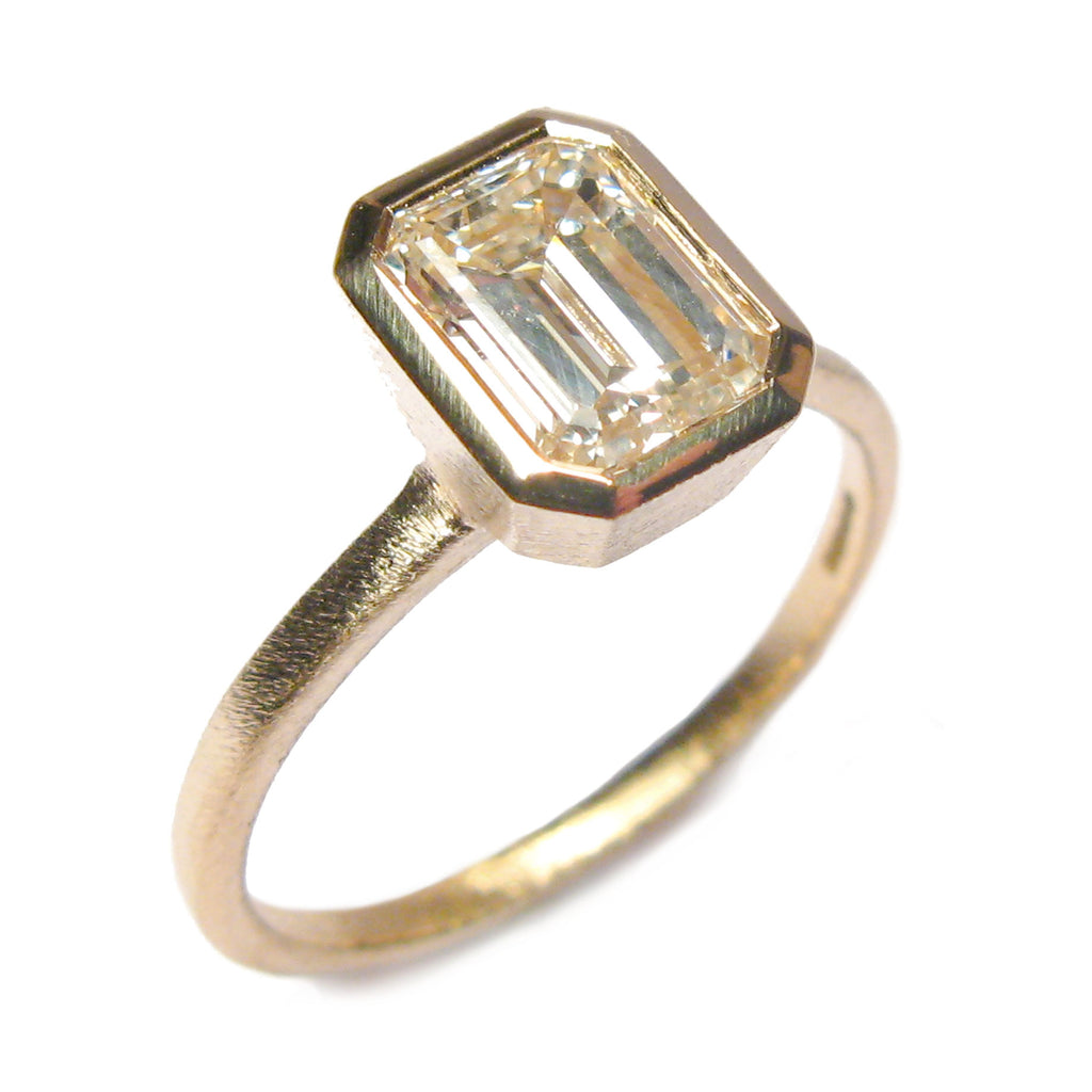Bespoke - 9ct Yellow Gold and Emerald Cut Ring