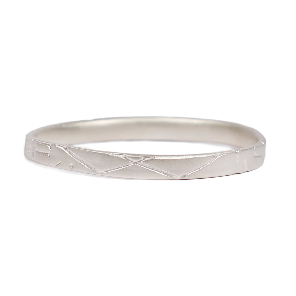 Wide Silver 'WISDOM OF LIFE' Bangle