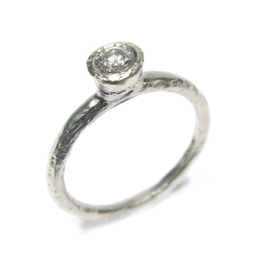 9ct White Gold Ring With 0.25ct Diamond