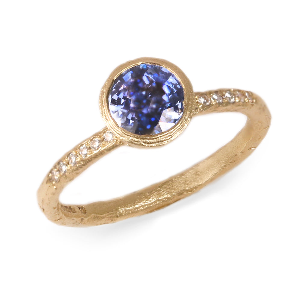 18ct Yellow Gold Ring with a Brilliant Cut Blue Sapphire