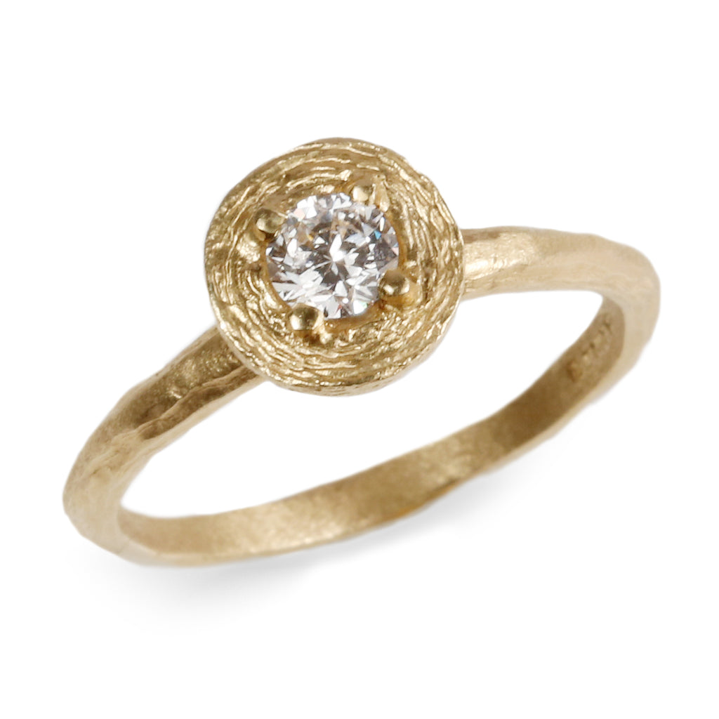18ct Fairtrade Yellow Gold Ring Set with 0.25ct Diamond in Raised Claw Setting