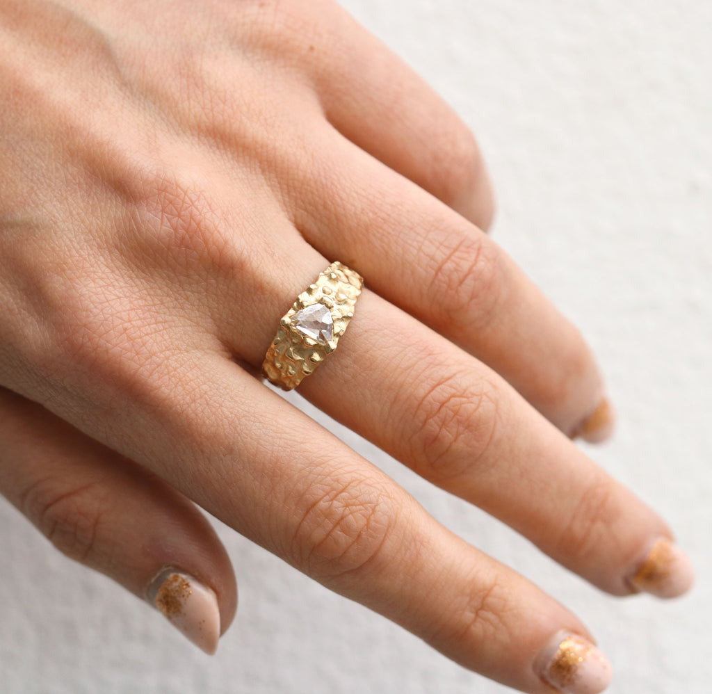 9ct Fairtrade Yellow Gold 'One-Of-Kind' Ring with White Shard Diamond