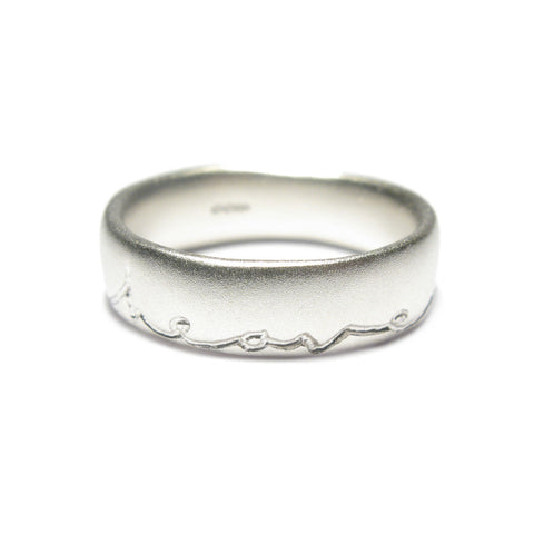 Undulating Silver 'In Heaven On Earth' Ring