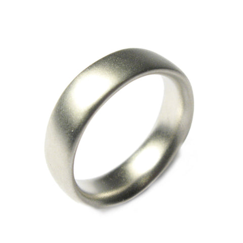 Plain Platinum Undulating Ring