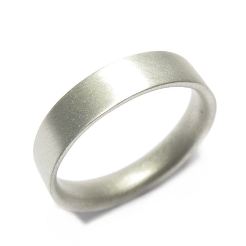 Plain 9ct White Gold Reverse D Ring