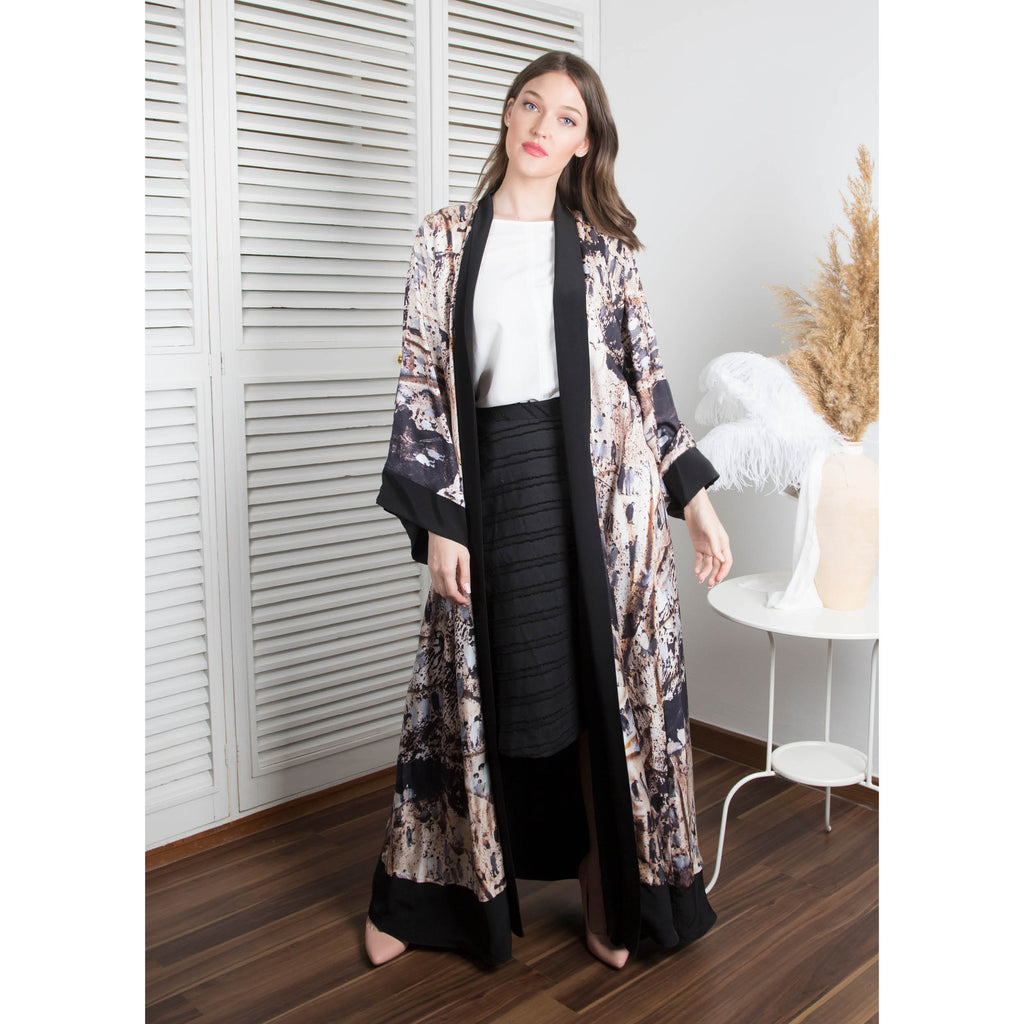 Weaves Of Hope - Signature Reversible Abaya (Black)