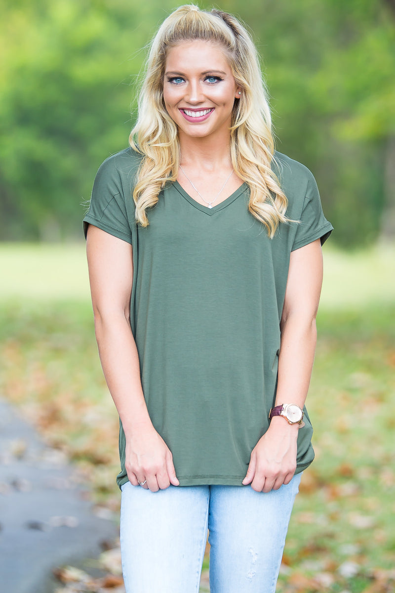 Short Sleeve Rolled Sleeve V-Neck Piko Top - Army