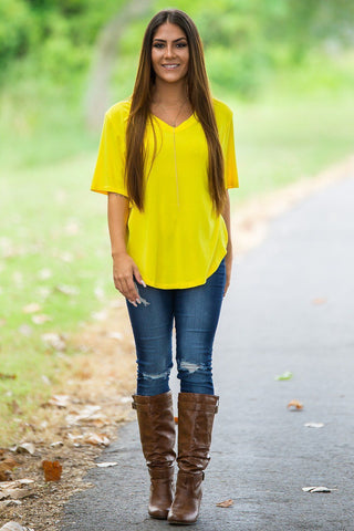 Curved Hem Short Sleeve V-Neck Piko Top-Buttercup - Piko Clothing