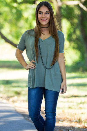 Short Sleeve V-Neck Piko Top - Olive