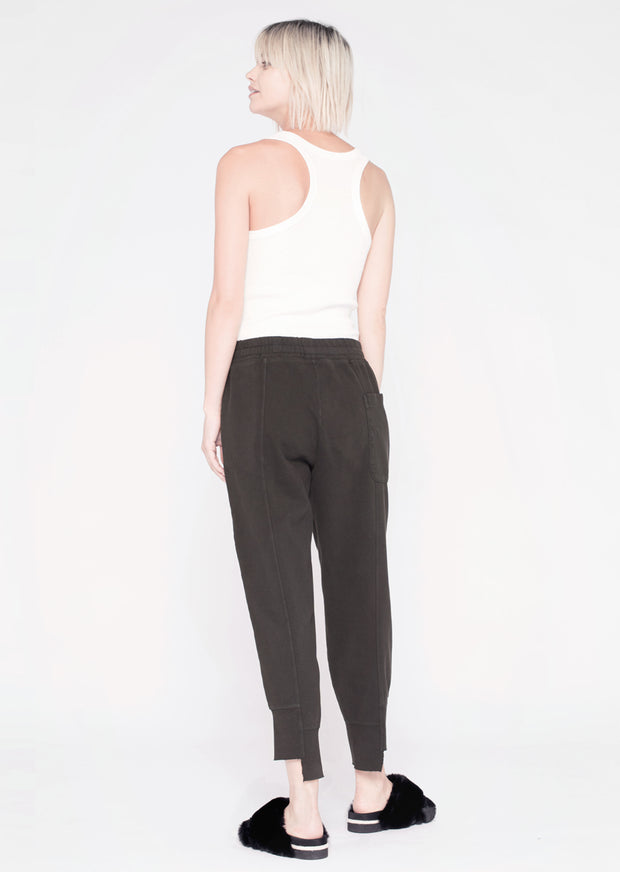 Shifted Seamed Crop Sweat pant