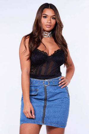 Mid Wash Belted Zipped Mini Denim Skirt