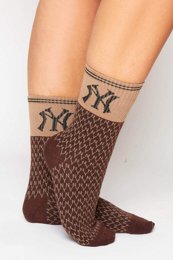 Brown Ribbed NY Monogram Socks