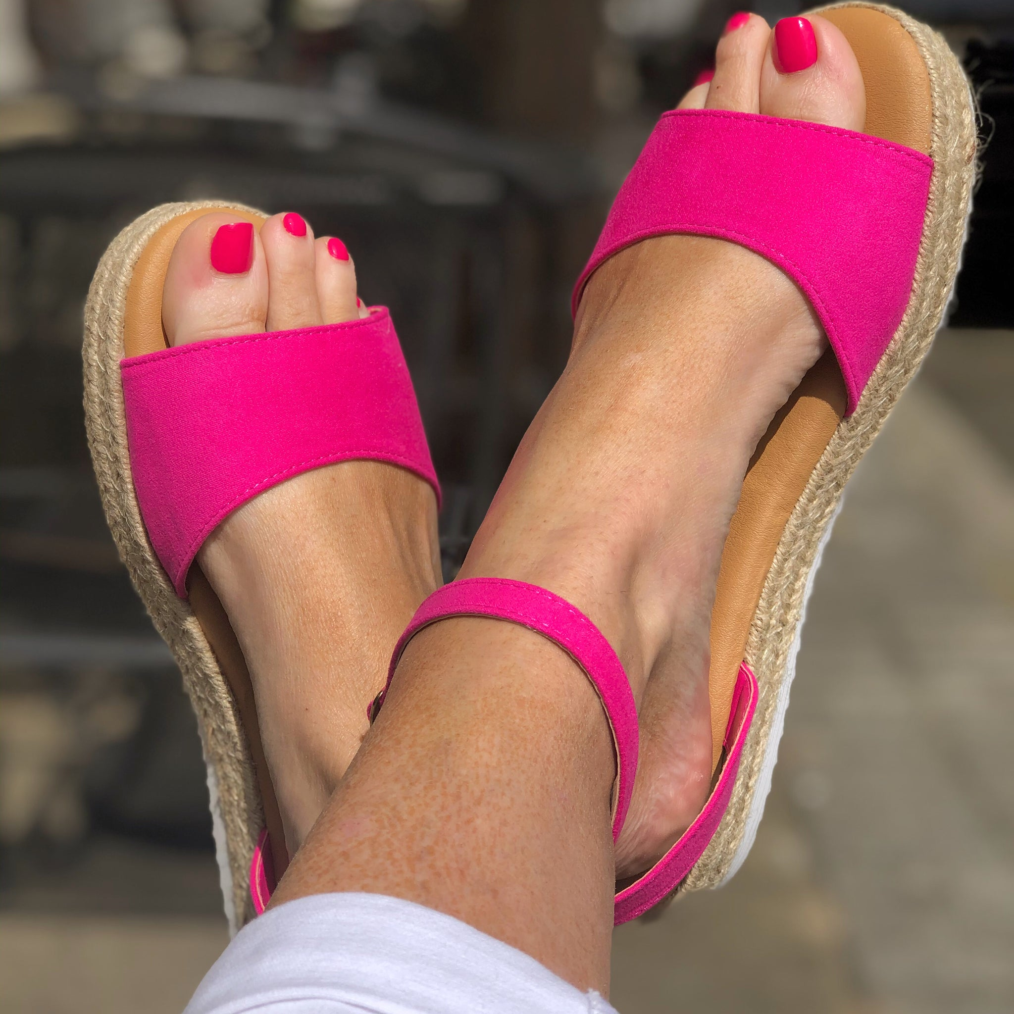 Superb Sandals - Fuchsia