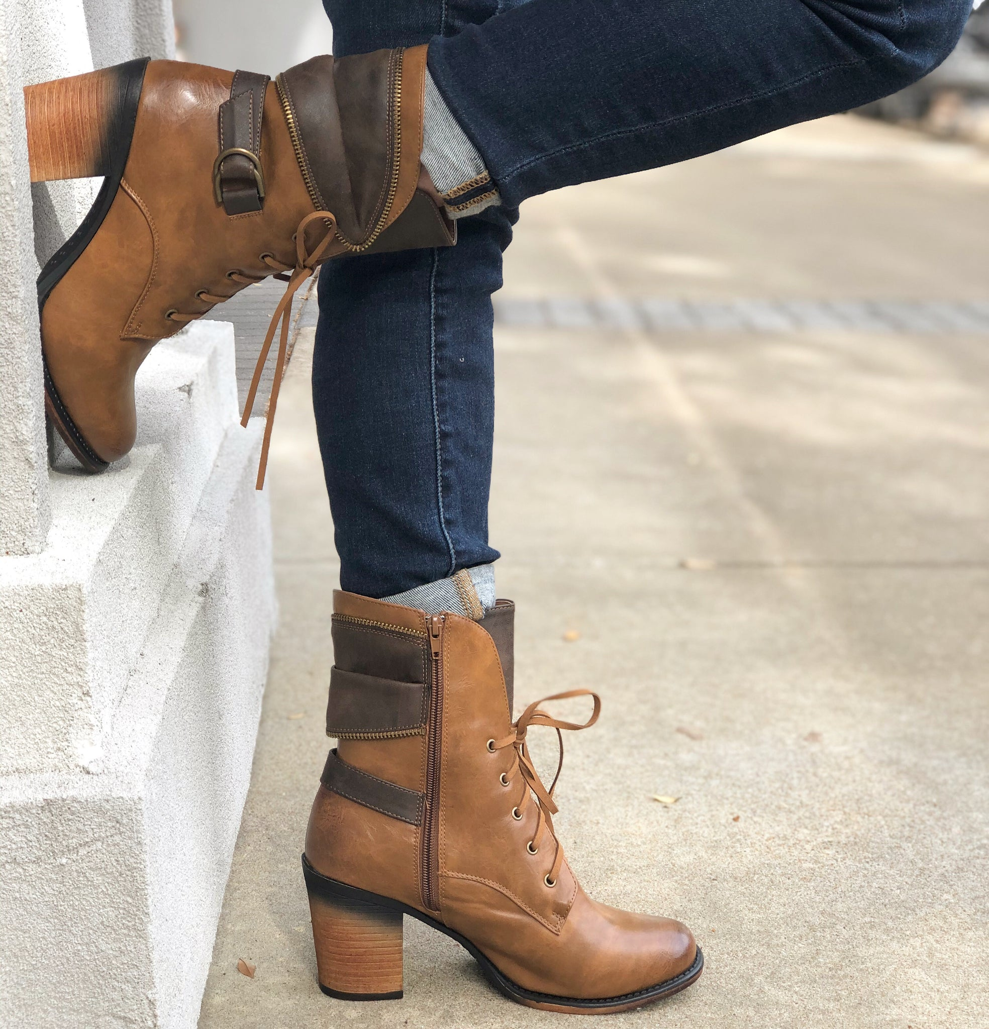 Fall Lace-up Booties