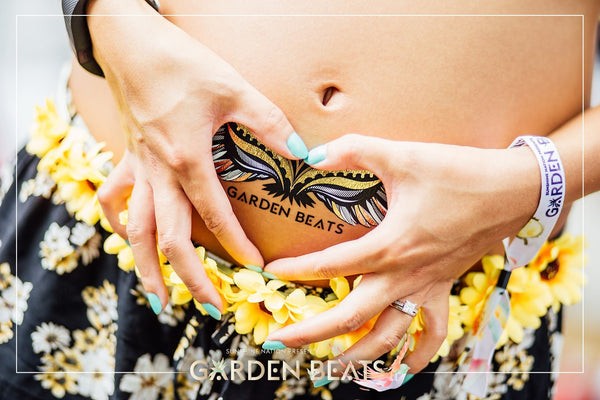 Baby in the belly, with Marchbaby metallic tattoos
