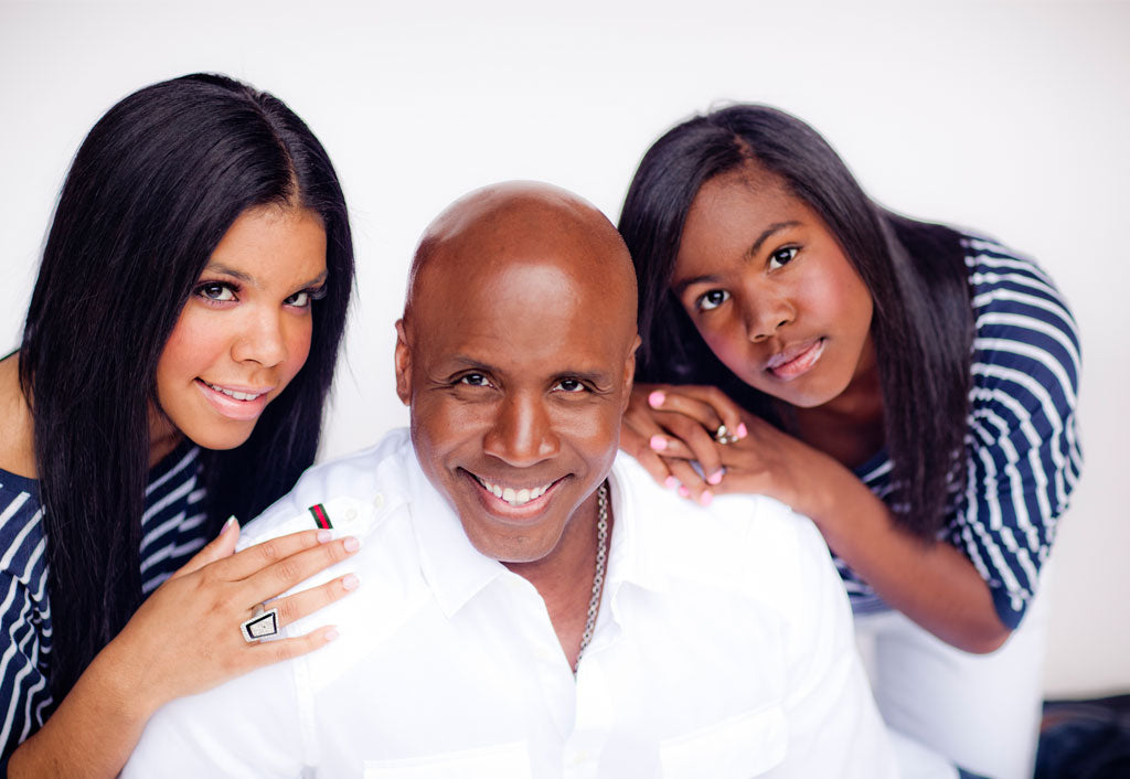 Barry Bonds Gives Donation To Girls Inc. | Barry Bonds