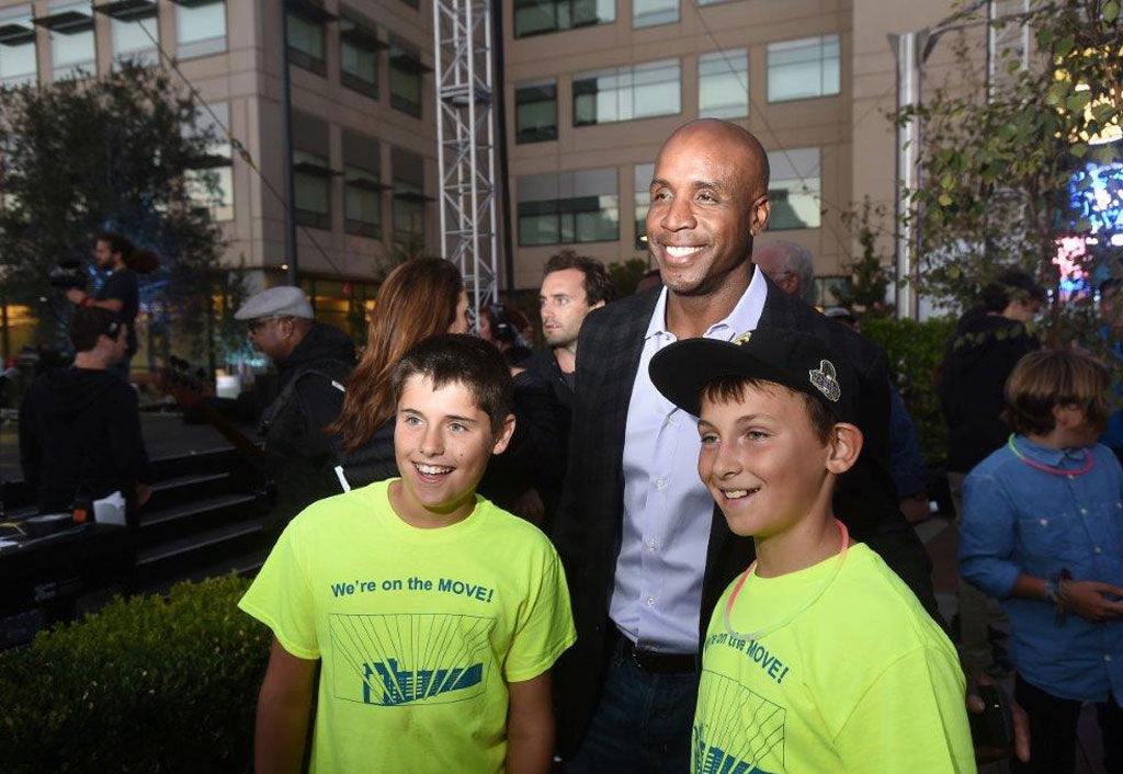 Youth Get a Boost from a Local Baseball Legend Barry Bonds to Achieve Great Futures | Barry Bonds