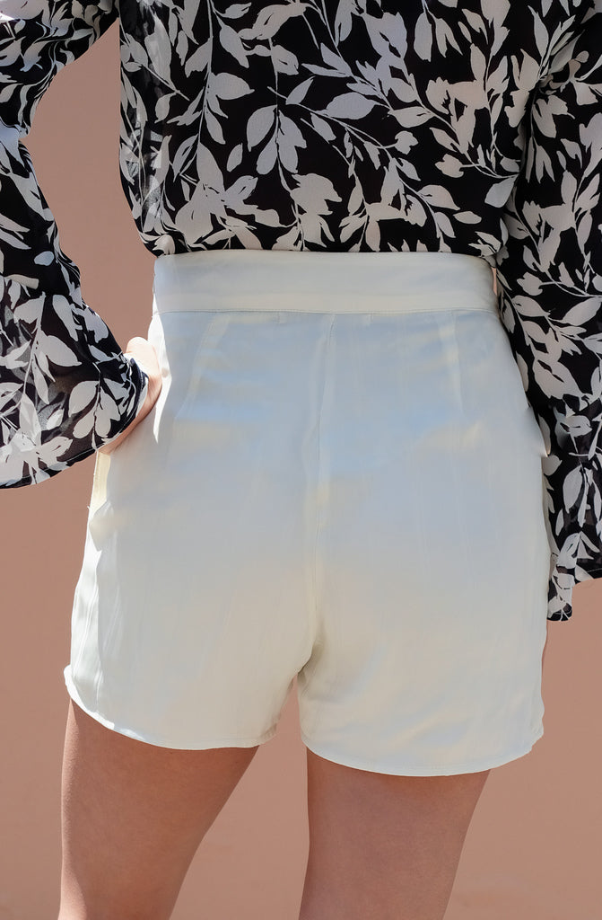 Mali Short - White Satin