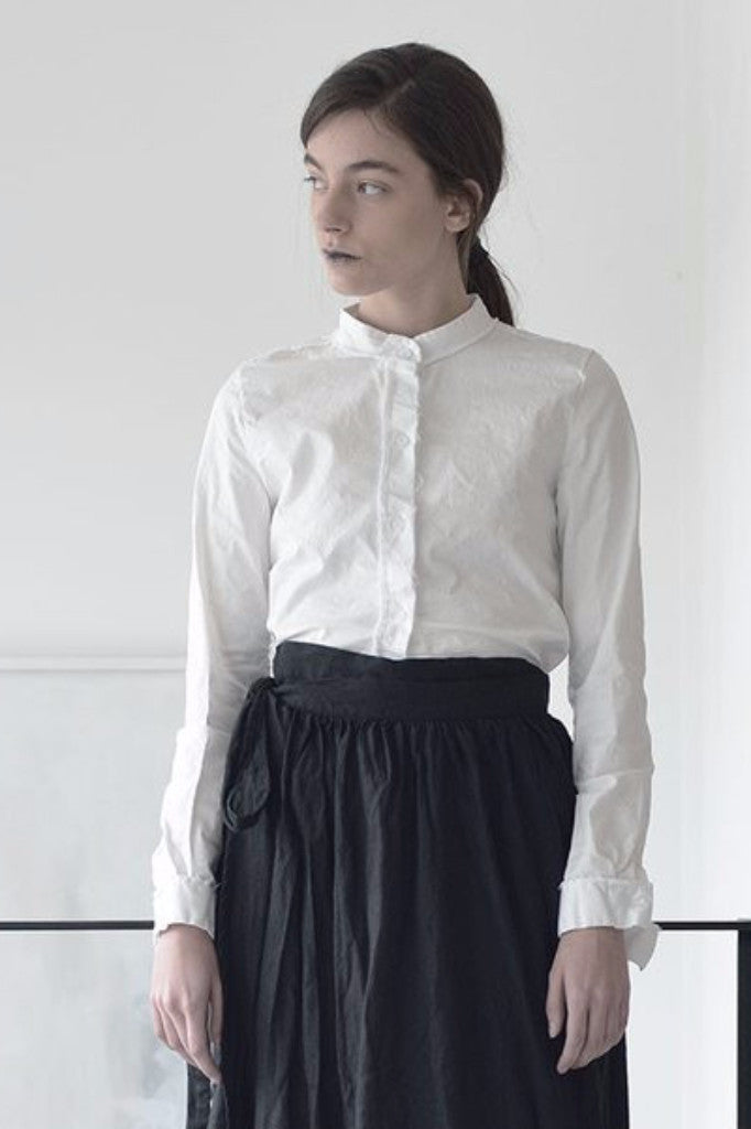 collared woman shirt | long sleeve white linen shirt | white button down shirt | business shirts | womens formal blouses | formal blouses | linen shirts online | linen clothing | linen clothing |  Israeli clothing brands | Israeli designers | Tel Aviv shopping -7