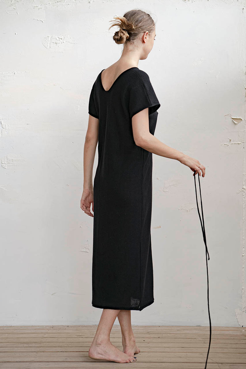 KNITTED DOUBLE V MAXI DRESS - STONE / BLACK