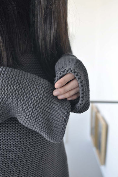 KNITTED TURTLENECK LONG SLEEVE SWEATER - BLACK / GREY