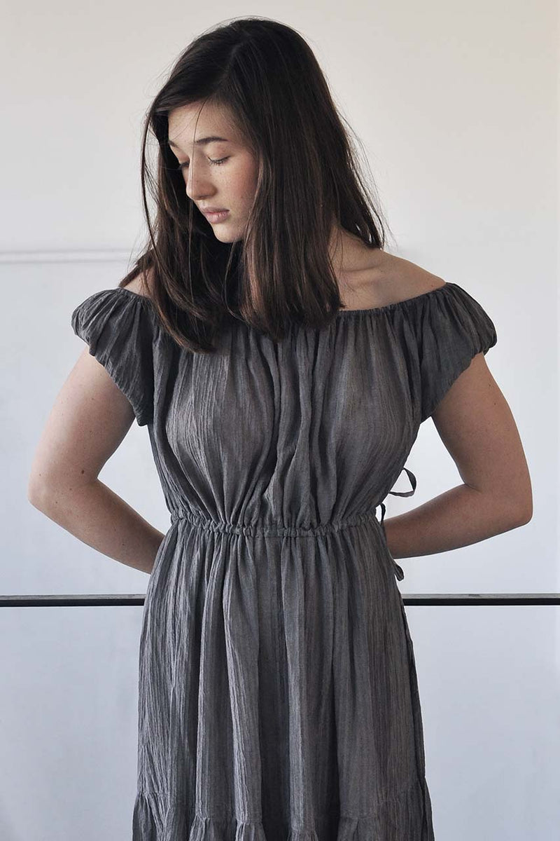 MAXI PLEATED TIERS DRESS - DARK GREY