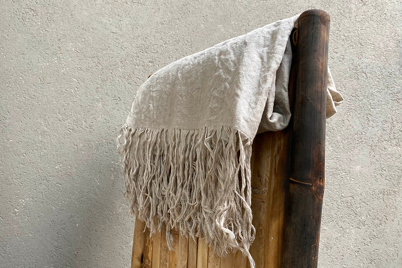 LINEN THROW - WHITE / BLACK / BEIGE
