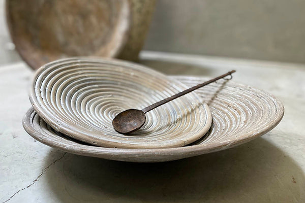 braided plate - white / khaki