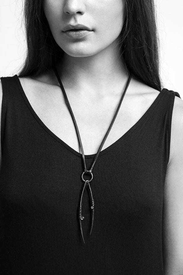 PEDIPALP NECKLACE - BLACK