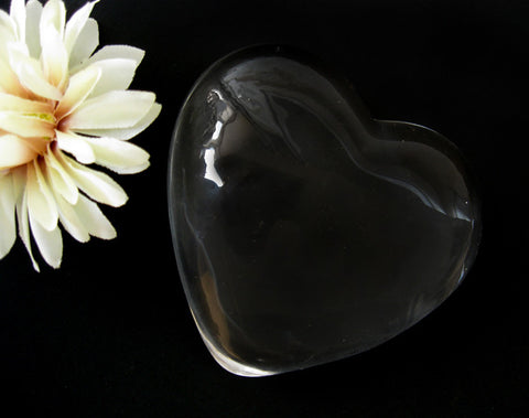 Clear Heart Paper Weight 4075