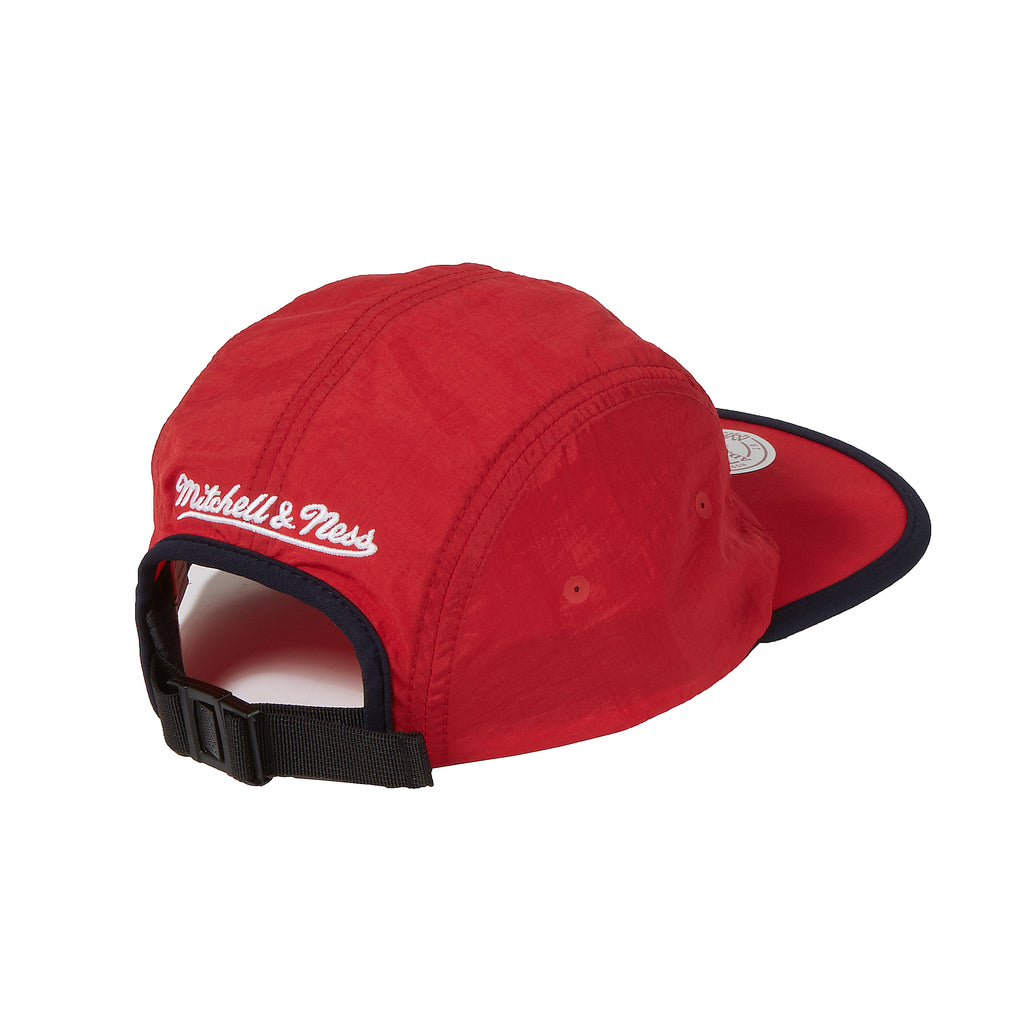 New York Red Bulls Mitchell & Ness Collapse Runner Strapback