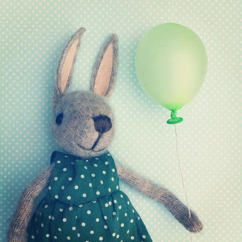 CR11 | Balloon Bunny