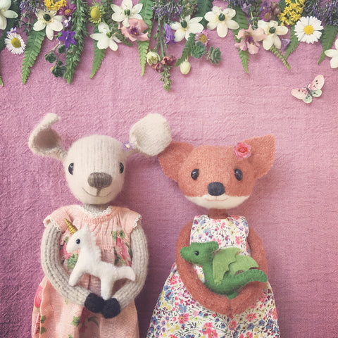 CR179 |MISS MOUSE & MISS FOX