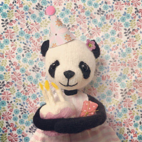 CR189 | PANDA BIRTHDAY