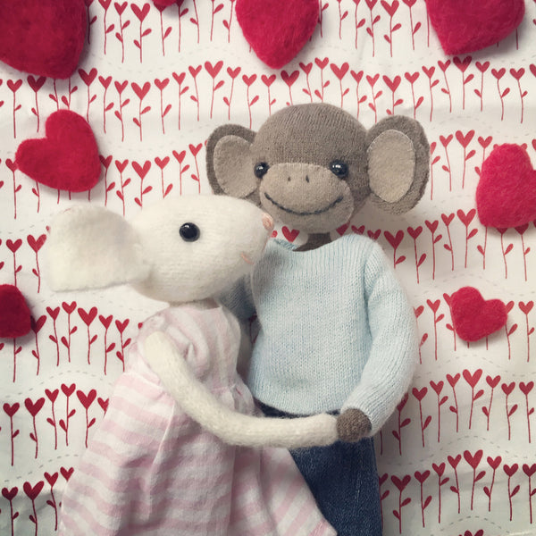 CR171 |  MONKEY & MOUSE IN LOVE
