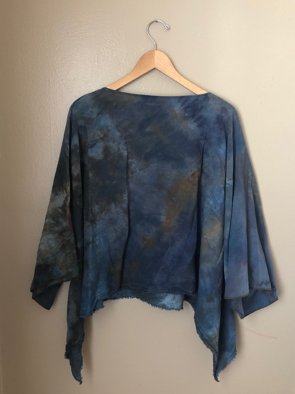 HAND DYED COTTON CROPPED TEE
