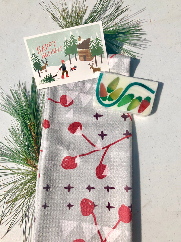 HOLLY BERRY TOWEL + SOAP GIFT SET