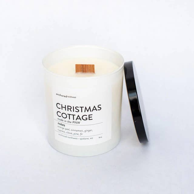 CHRISTMAS COTTAGE CANDLE