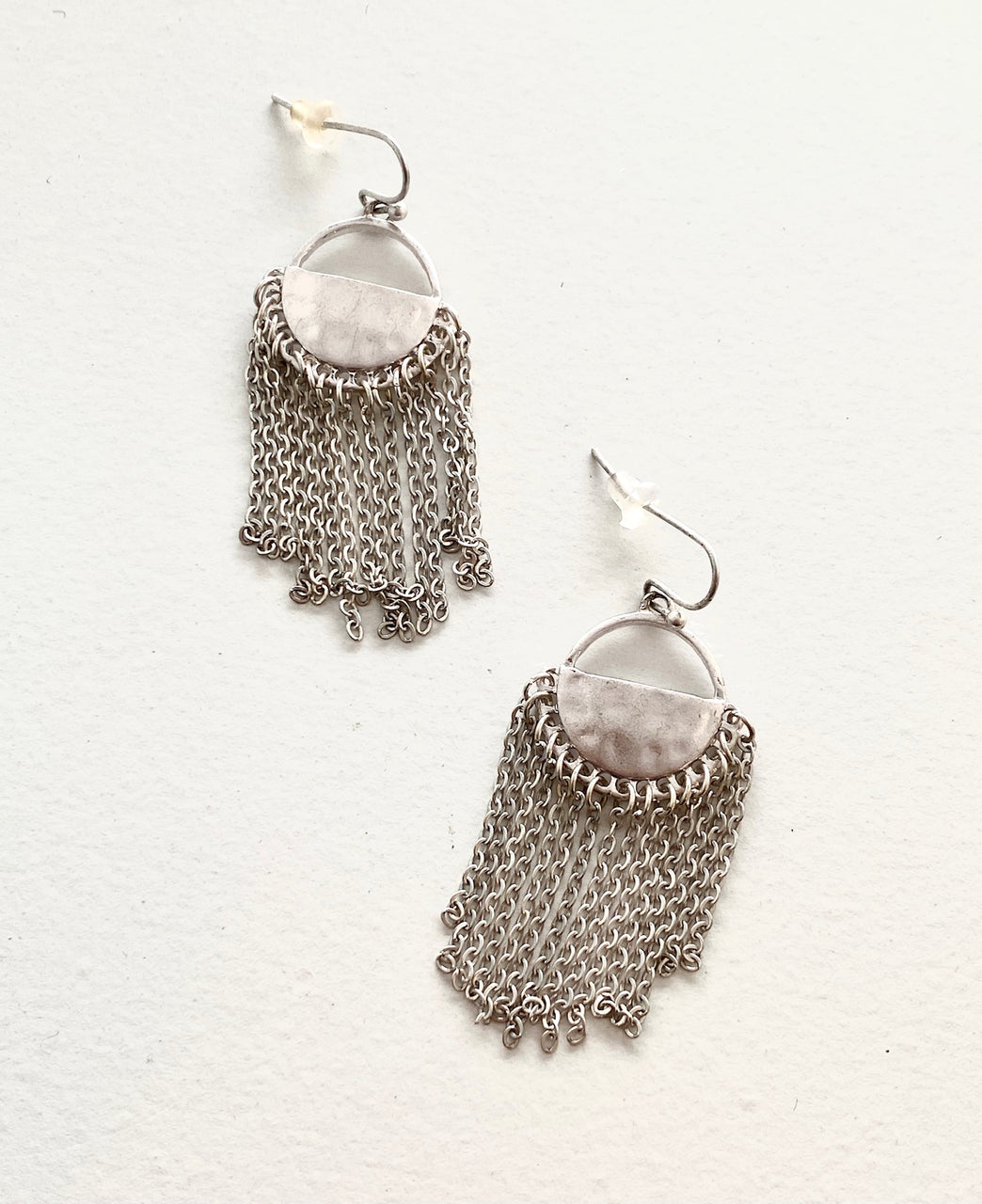 SILVER MOON AND CHAIN EARRING