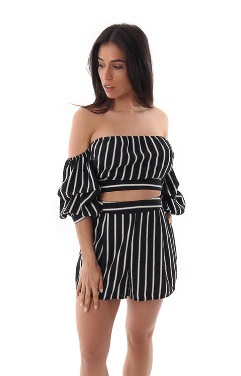 IT'S THE STRIPE THING TO DO CROP TOP